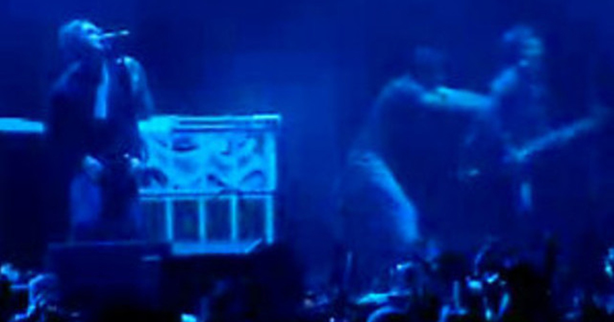 Nel 2008 Noel venne assalito sul palco da un fan. Dove stava suonando la band?