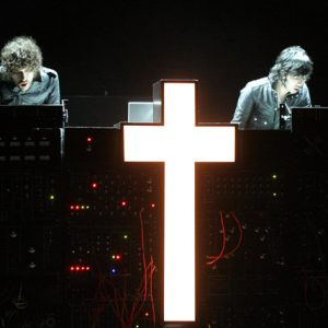 Da sinistra: Gaspard e Xavier, i Justice in concerto.