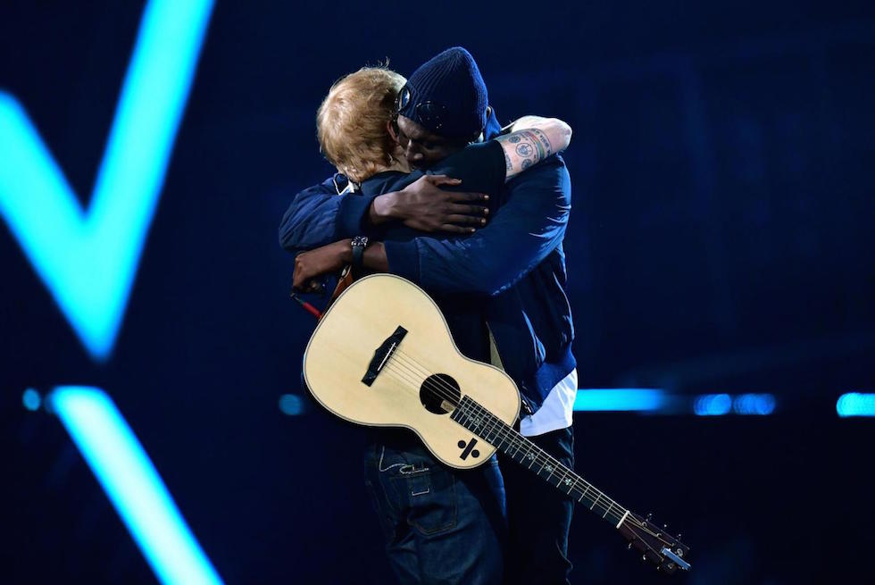 Ed Sheeran e South London MC Stormzy sul palco dei Brit Awards alla O2 Arena di Londra, 22 febbraio 2017 (Dominic Lipinski/PA Wire. Editorial Use Only - No Merchandising)