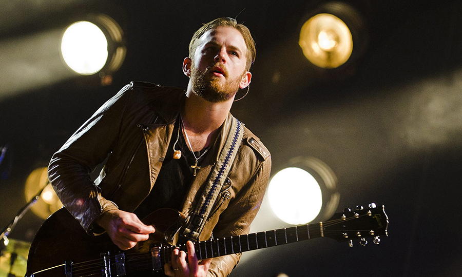 JOHANNESBURG, SOUTH AFRICA - OCTOBER 29: (SOUTH AFRICA OUT) Caleb Followill, of American rock group Kings of Leon, performs on October 29, 2011 in Johannesburg, South Africa. (Photo by Foto24/Gallo Images/Getty Images)